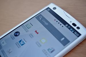 Mobile Apps versus Bundled Services